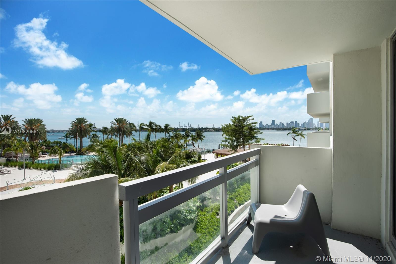 Enjoy spectacular sunset bay views from your spacious balcony overlooking Downtown Miami. this spaci