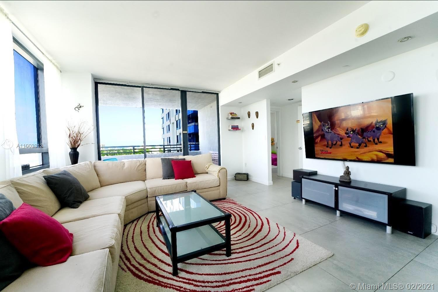 PRICE IMPROVED * BRING ALL OFFERS * Luxury unit in prestigious The Waverly in SoBe. Central & corner