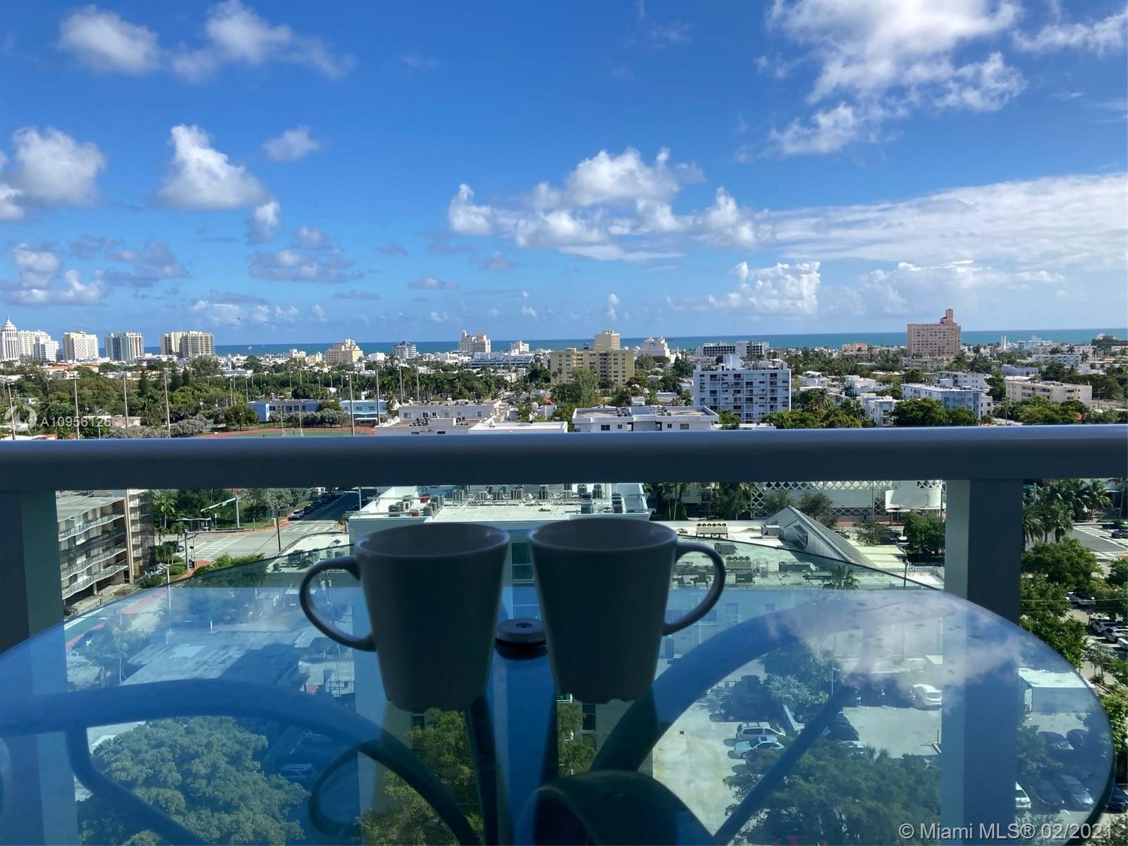 $30K OFF!! Renovated 1BR High Floor condo overlooking Miami Beach. Awesome amenities including a lar