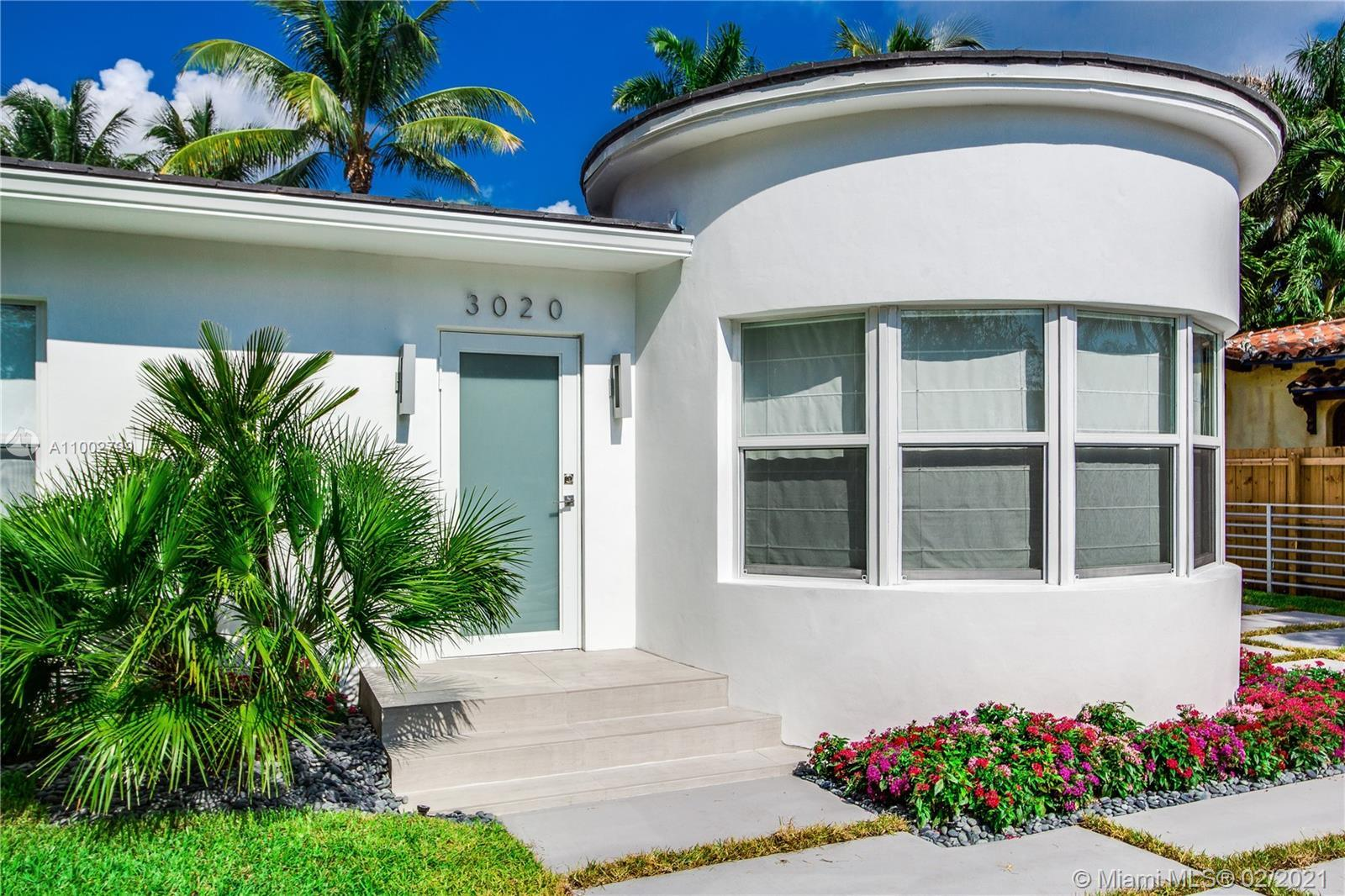 Golf Course and Pool Home in Miami Beach.   Renovated to in 2015. Tile roof, ceramic tile flooring e