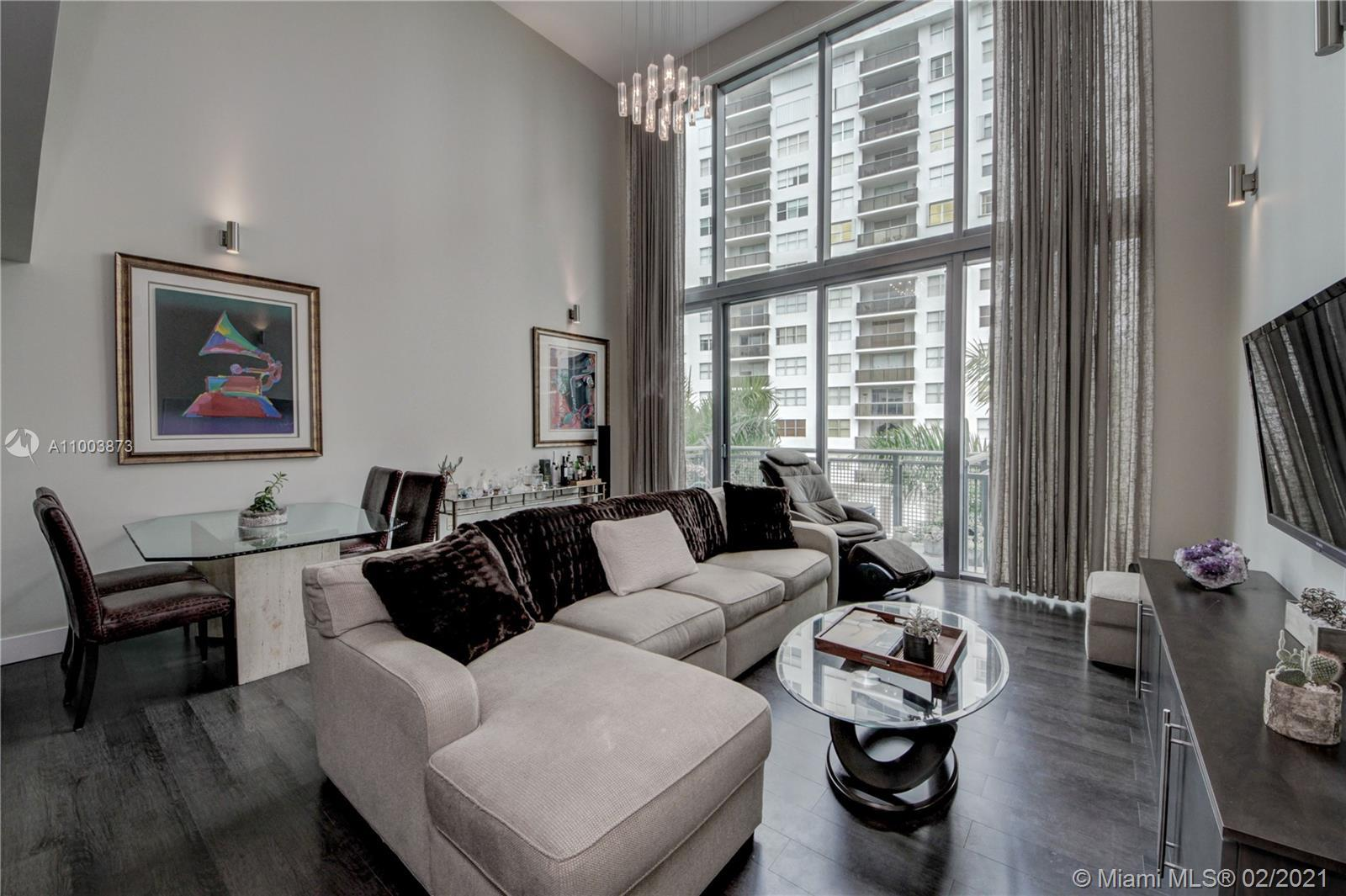 """This Three level upgraded townhouse is the best kept secret in Miami Beach. It's 18'8"""" tall ceilings"""