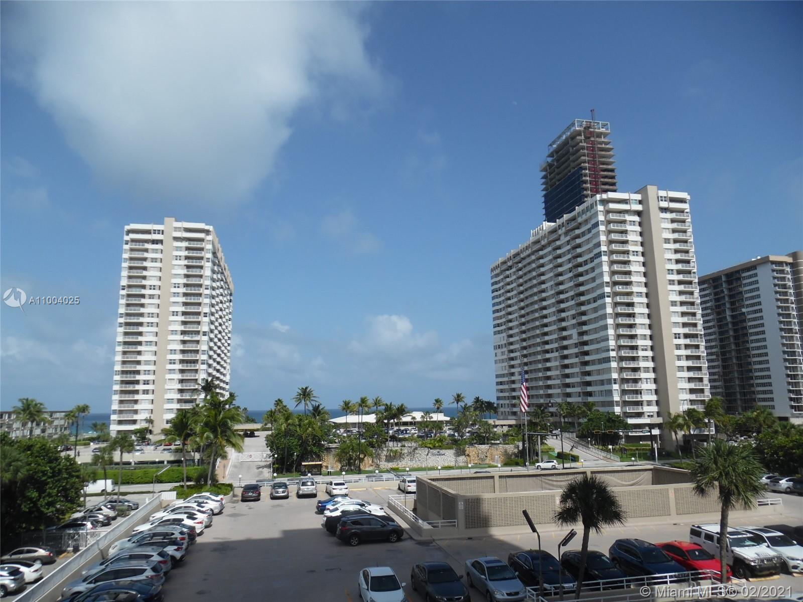 TRULY A NICE UNIT IN VERY DESIRABLE HEMISPHERES COMPLEX. THIS 2/2 IS LOCATED ON THE HEMISPHERE BAY N
