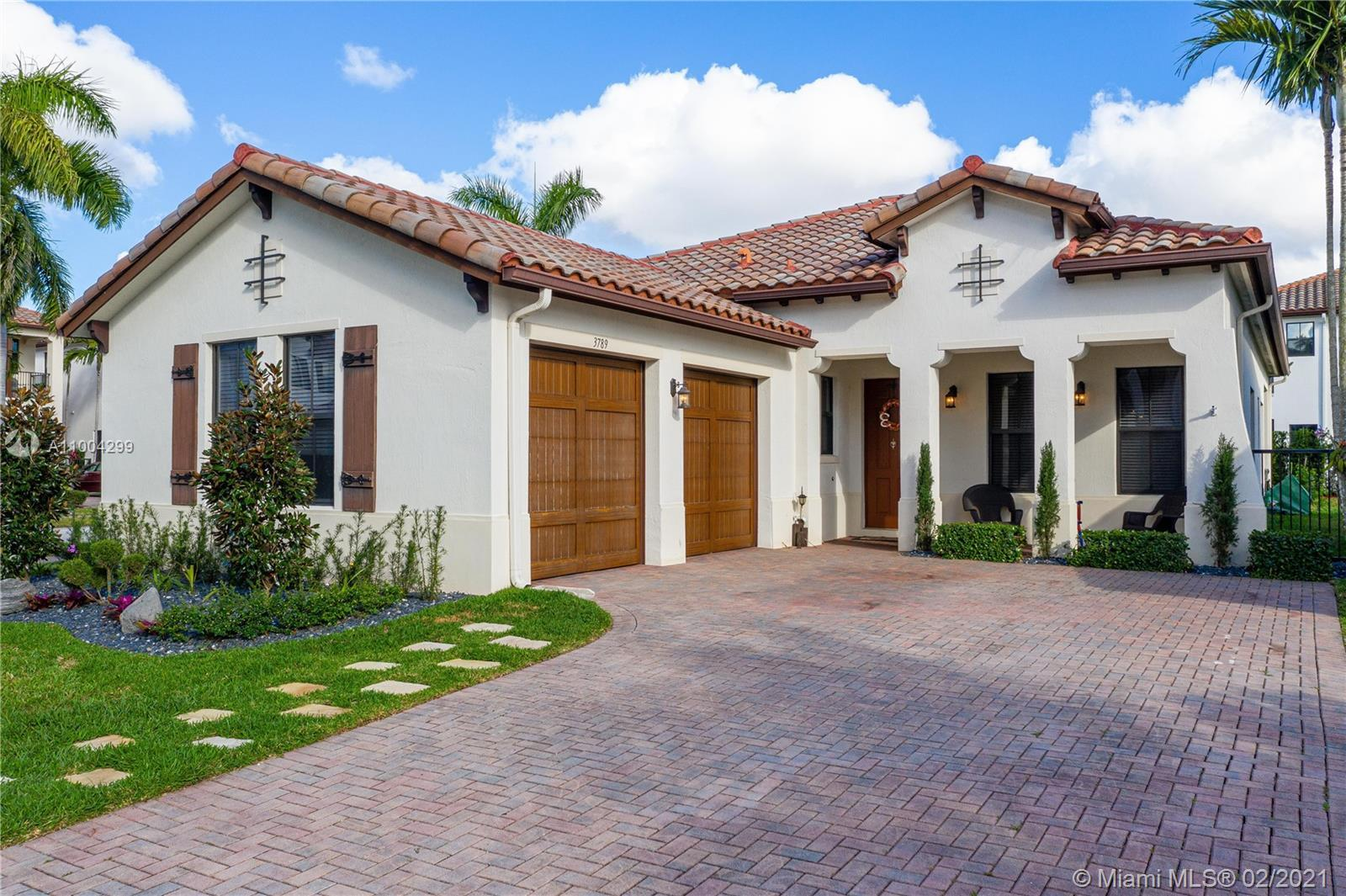 Beautiful corner Home in one of Cooper City's newest communities Monterra!!  3 Bedrooms plus a large