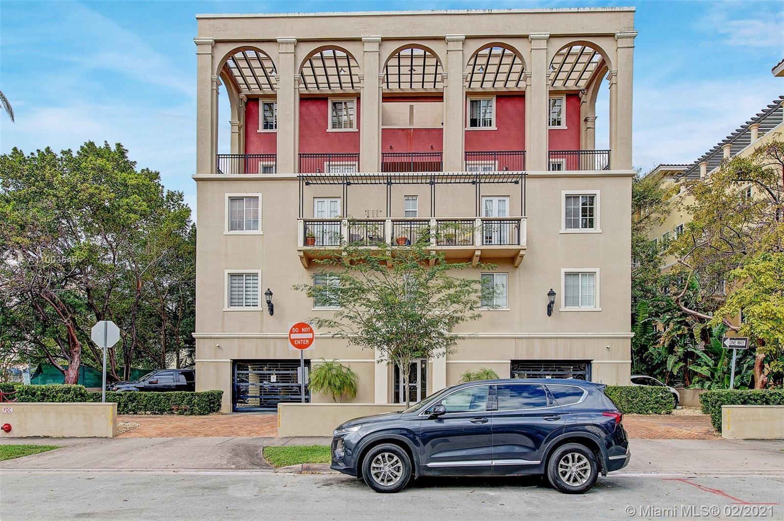 Come see this spacious 3 bedroom 2 bath Coral Gables condo! The unit offers 1450 sq.ft. of generous