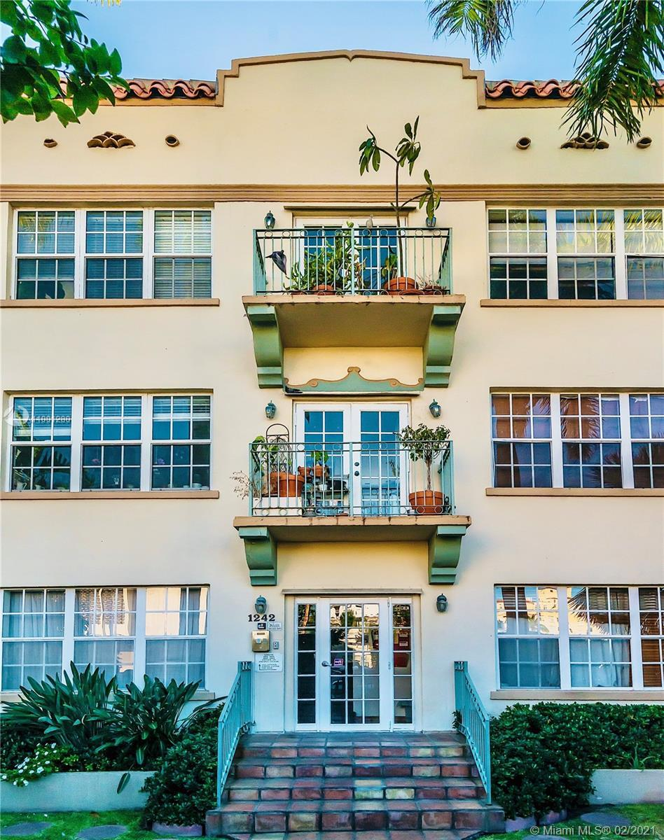 BEAUTIFUL RENOVATED 2 BED-1 BATH IN THE HEART OF S. BEACH. STUNNING OLD SPANISH BUILDING WITH LOTS O
