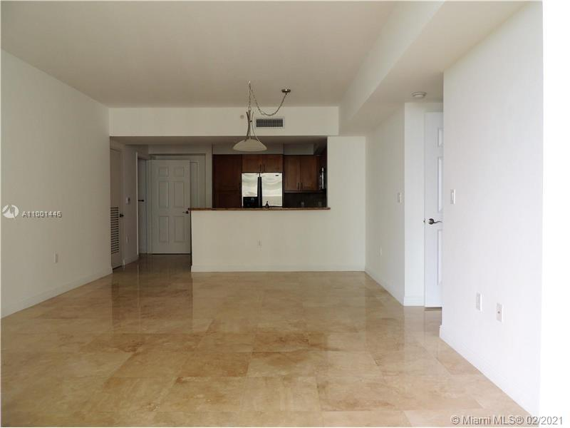 Nice and large condo near the beach. All updated, granite countertops, stainless steel appliances, E
