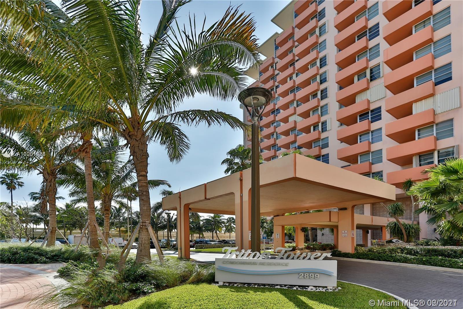 * * * *  DIRECT OCEANFRONT WITH BALCONY  * * * *  HIGH-FLOOR SPACIOUS 2/2 - IT HAS A REMODELED OPEN