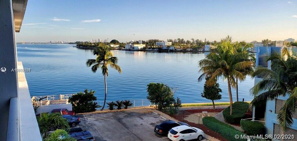 Beautiful Condo with open floor plan. One bedroom one bath. Located in the Island of North Bay Villa