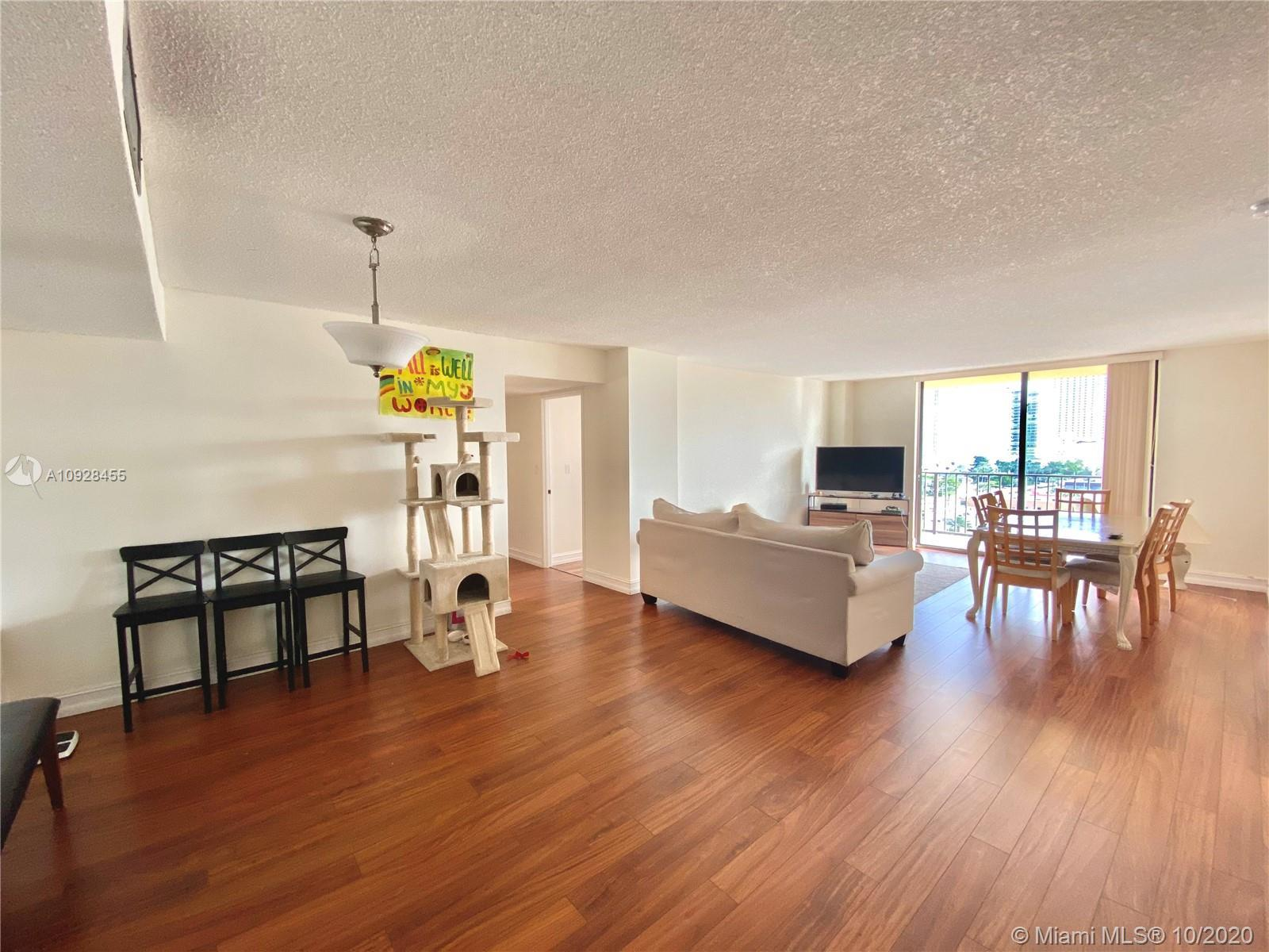 Spacious 3 bedroom 2 bathroom unit with washer and dryer inside. Plenty of closet space, parking att