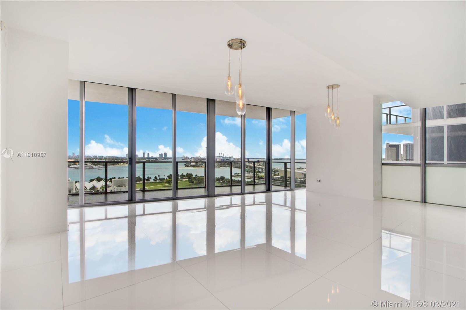 Stunning views of Biscayne Bay and Downtown Miami from this large 3 bedroom / 3.5 bathroom unit. Loc