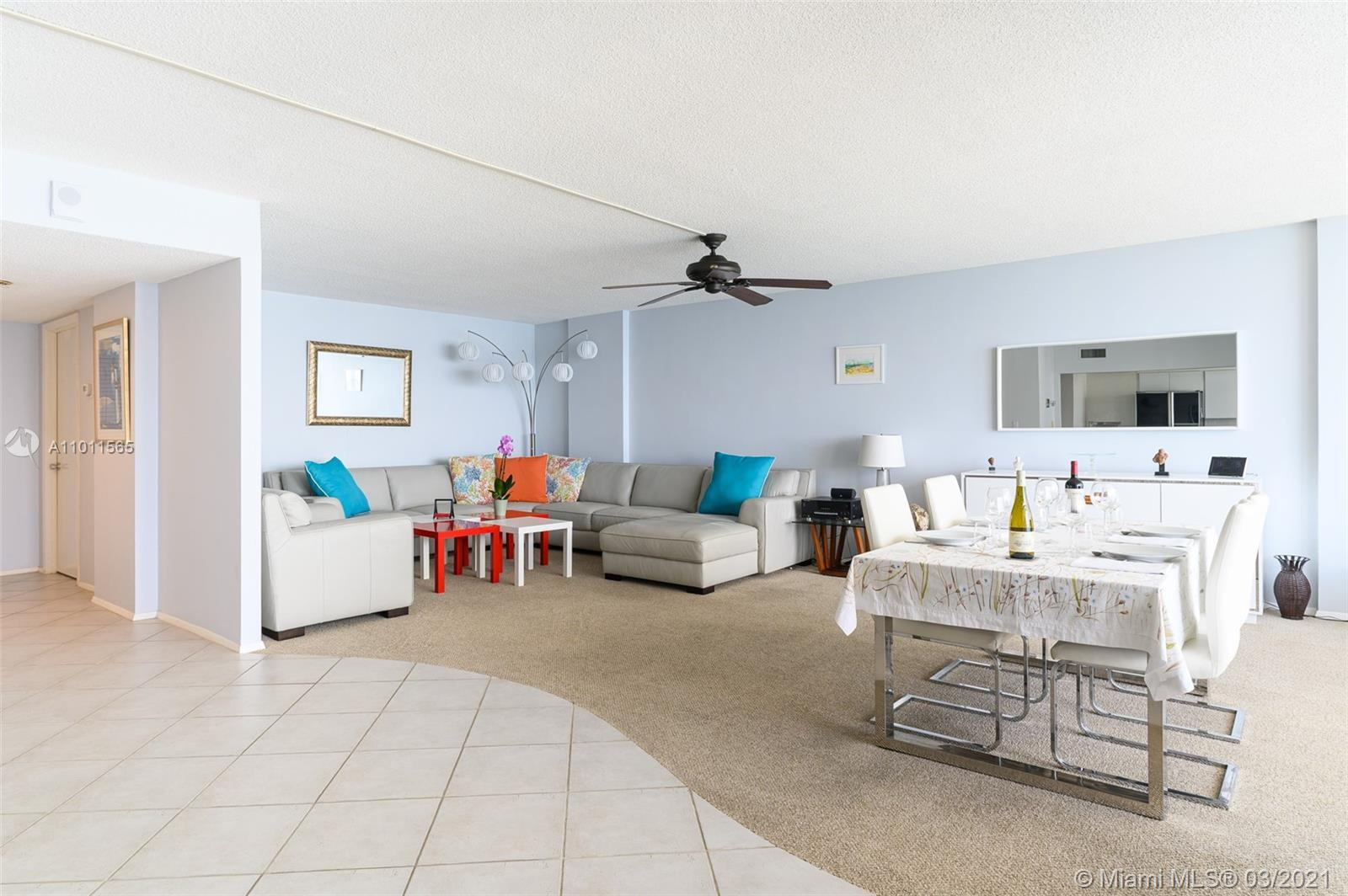 ON THE BEACH !!! RARE AND LARGE 1BR /1.5 BATH + BALCONY WITH AMAZING OCEAN VIEWS FROM THE KITCHEN, L