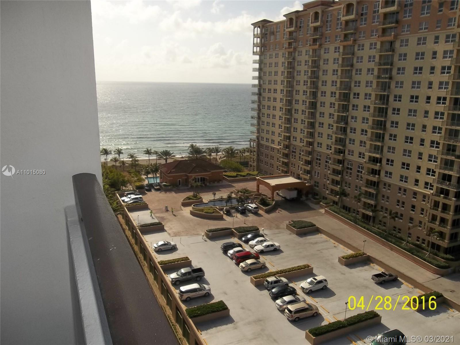One of the best line in the building.Spacious 2/2 unit with just completed renovation.Incredible vie