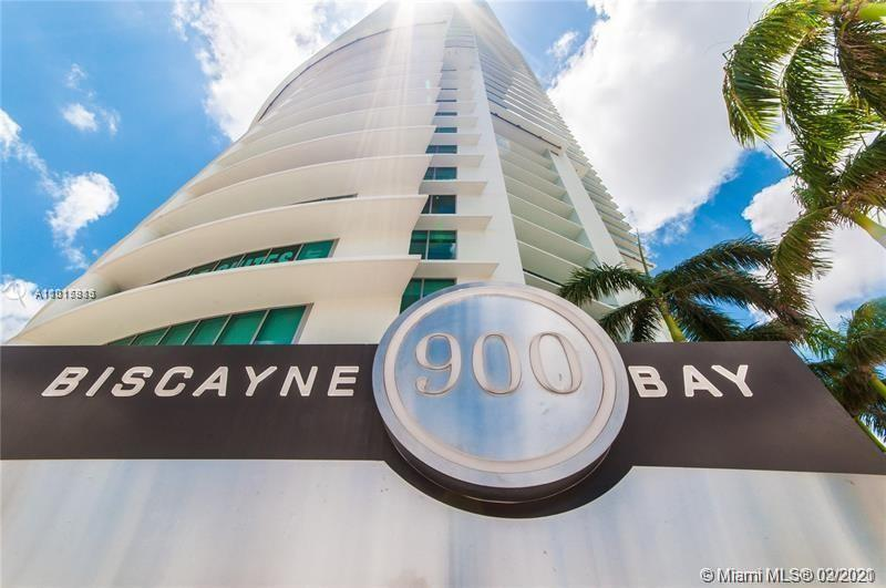 Spectacular 3 bed, 3.5 bath PH at 900 Biscayne is perfectly located in Downtown Miami, right across