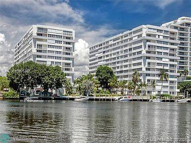 LOVELY CORNER UNIT, 2 BEDROOM, 2 BATH CENTRALLY LOCATED IN THE DESIRED COMMUNITY OF EAST POINT TOWER