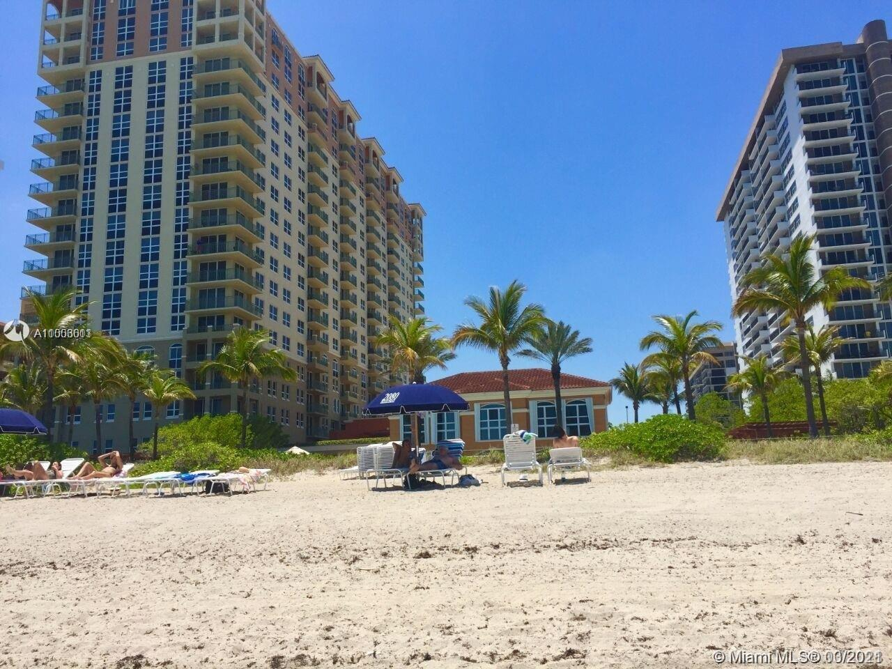 Beautiful unit at the 2080 with an amazing view. Five minutes from the Aventura Mall & Gulfstream Ra