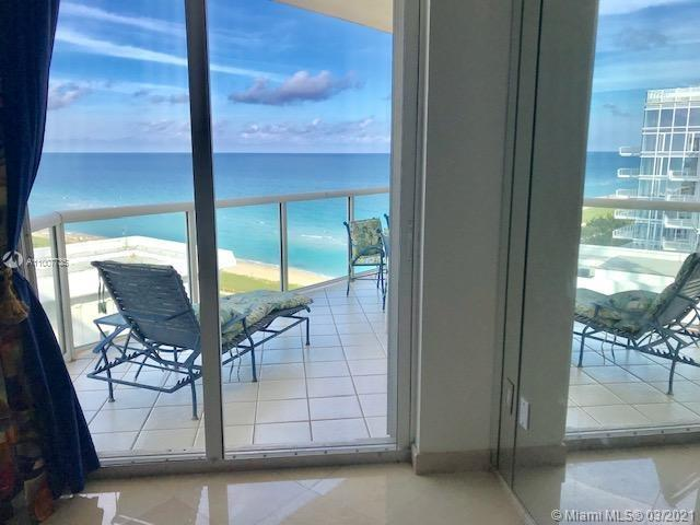 Gorgeous 2 bedrooms and 2 bathrooms condo. Beautiful ocean view, new appliances and new sink. 