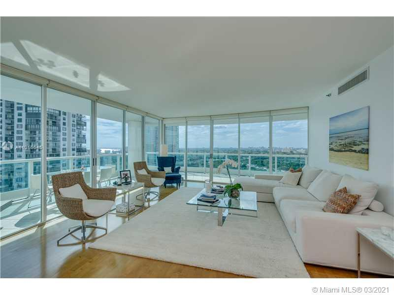 Incredible glass home in the sky! Corner Deluxe 2/2 with panoramic views of Key Biscayne, Coconut Gr