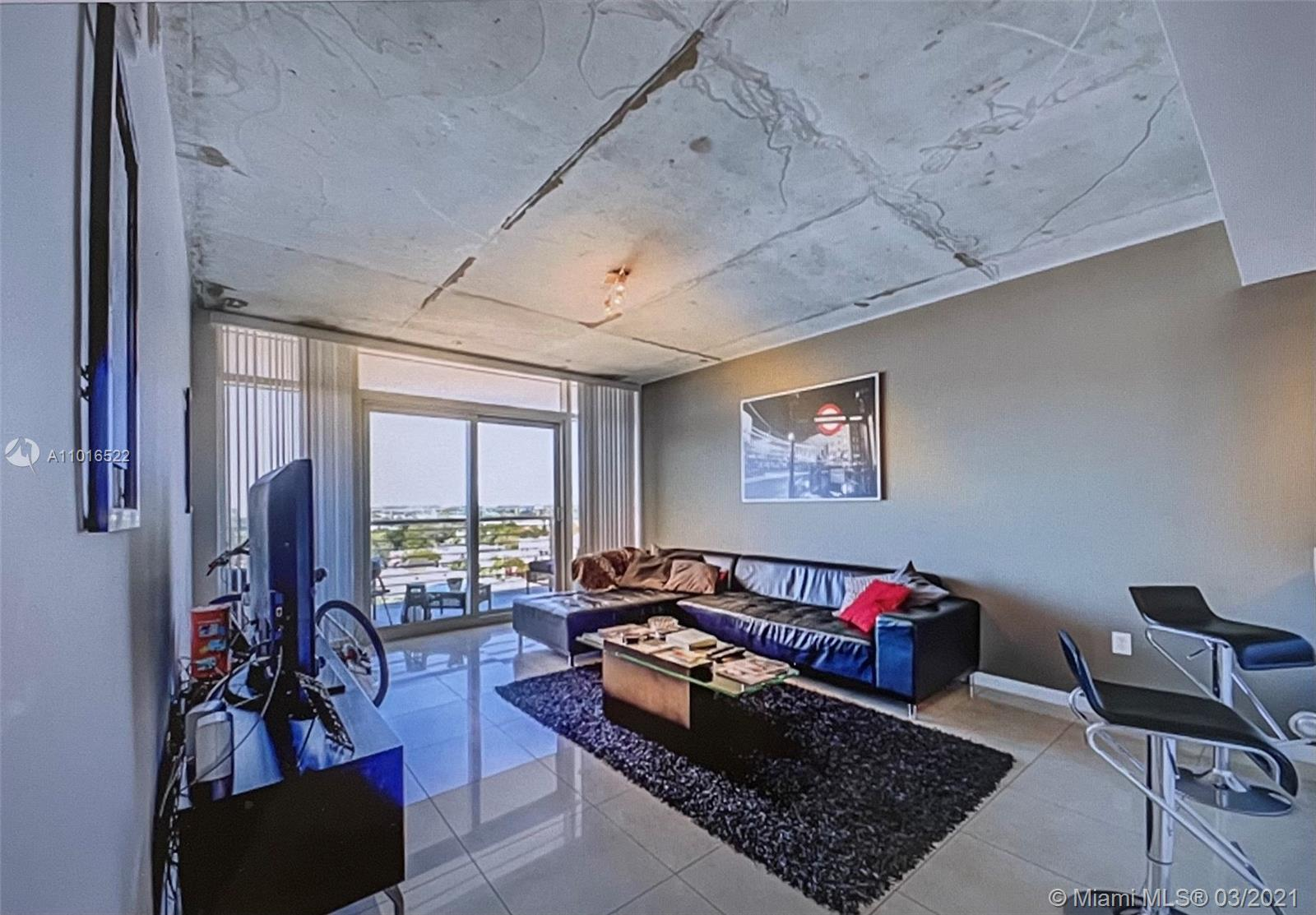 This is the opportunity to acquire beautiful, modern, and spacious condo. A full entreatment neighbo