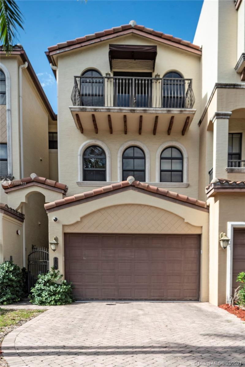 Located in one of the most desirable areas in Fort Lauderdale - Coral Ridge. Zoned for Bayview Eleme