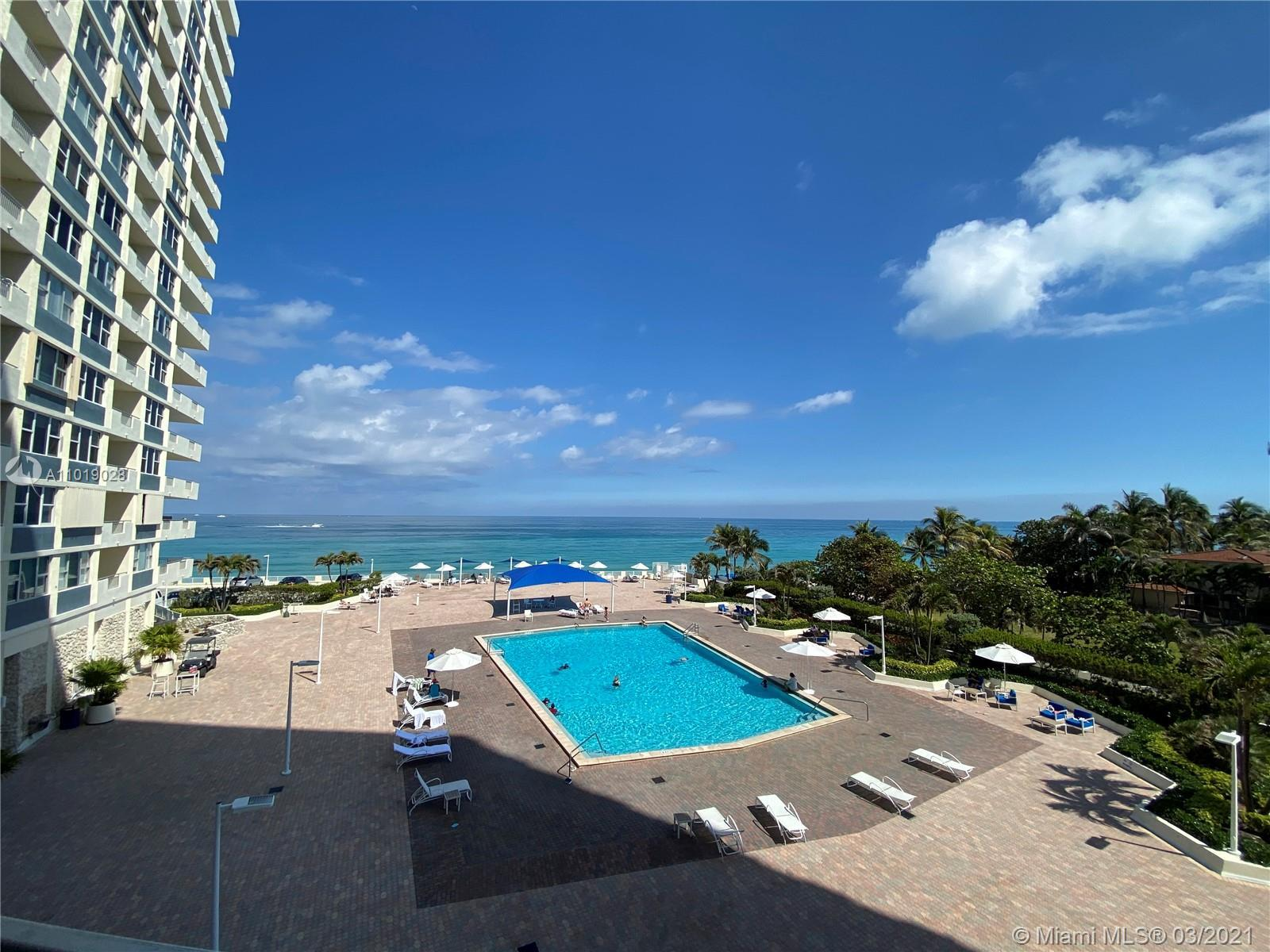 Beautiful Ocean Front Apartment. Centrally Located in Hallandale Beach, Fully furnished, appliances