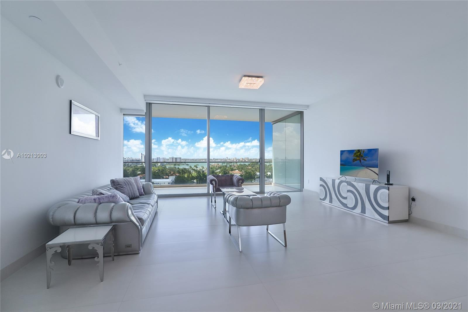 PANORAMIC BAY VIEWS / AMAZING SUNSETS / 1 BED/ 1.5 BATH/ ITALIAN Porcelain floors throughout/ remote
