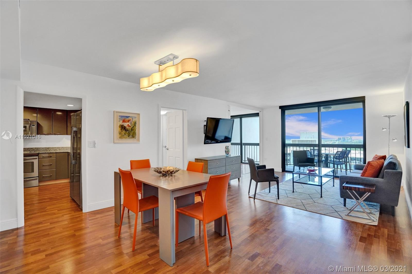 TURN KEY! Move in Ready Unit on most desired south end of Brickell Avenue. Spacious & Remodeled, thi