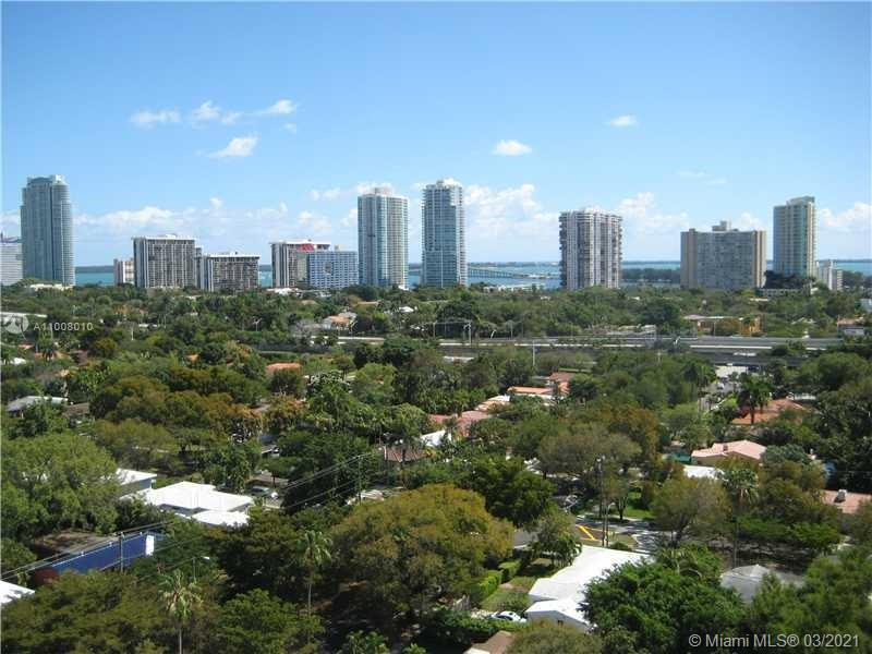 Amazing views of the ocean and the neighborhood from this beautiful 2 bedrooms and bathrooms unit. S