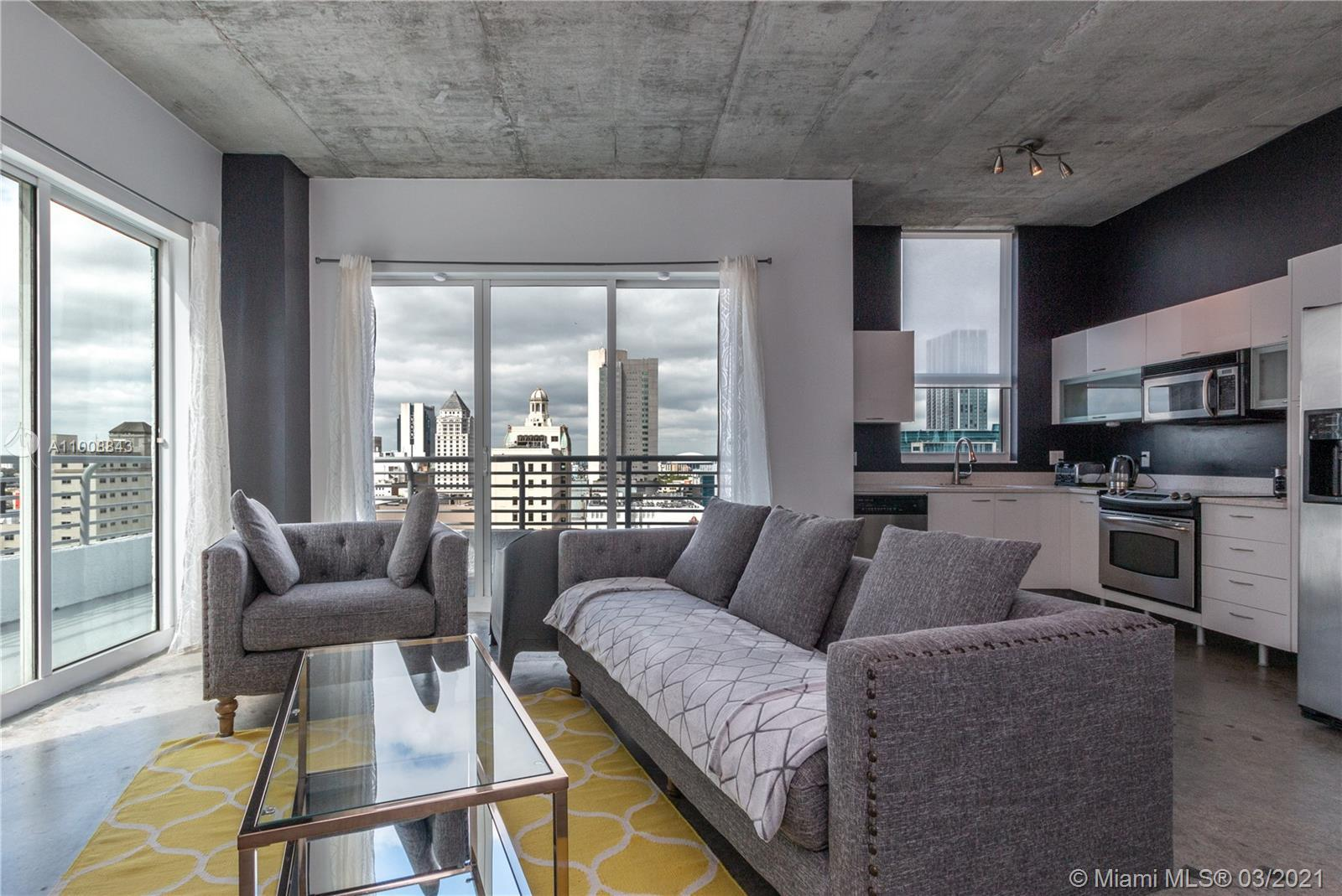 Beautiful and spacious 2/2 loft style corner unit. Bedrooms already enclosed for privacy, 10 FT ceil