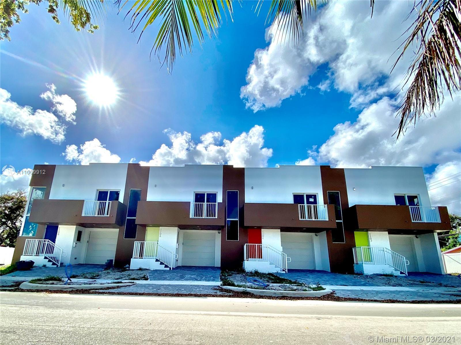 The splendid & spacious townhouse offers a split floor plan with 3 bedrooms - 2 baths on the upper f