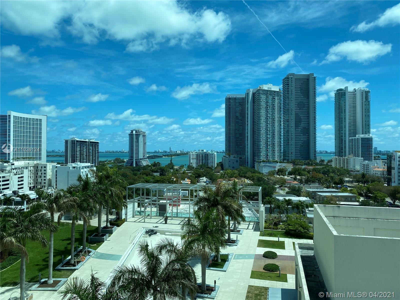 Beautiful corner unit over looking the bay, Miami Beach and and Down Town Miami. Marble Floor throug