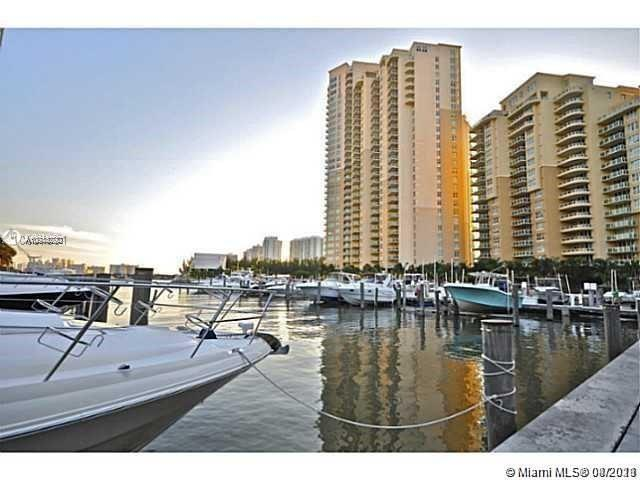 MAGNIFICENT ONE OF A KIND WATERFRONT TOWNHOUSE AT AVENTURA MARINA!!! BRIGHT AND SPECIOUS 3/3 + SMALL