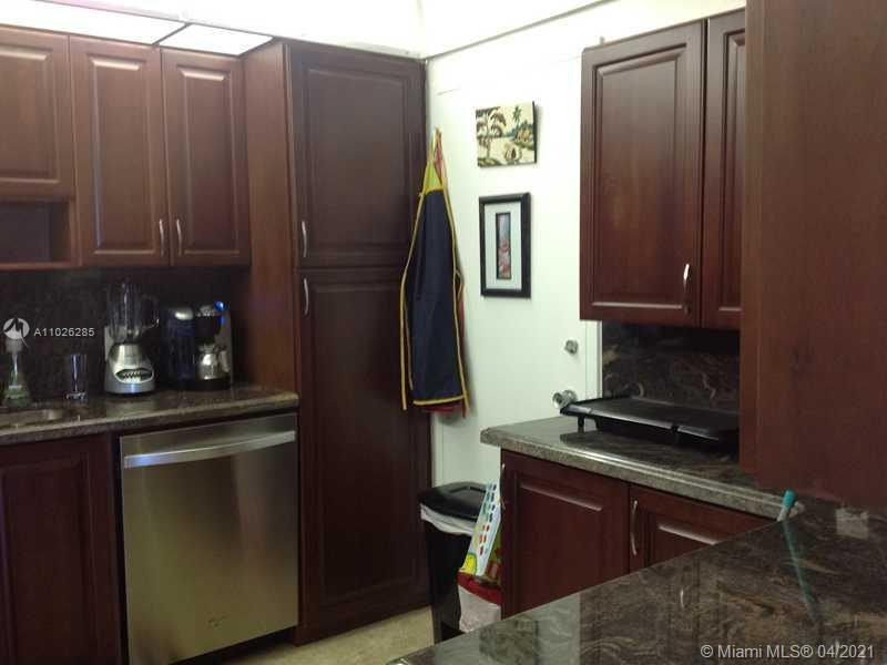 3 br 2.5 Bath Corner Unit. Occupied by great tenants. Great opportunity to purchase for future use.