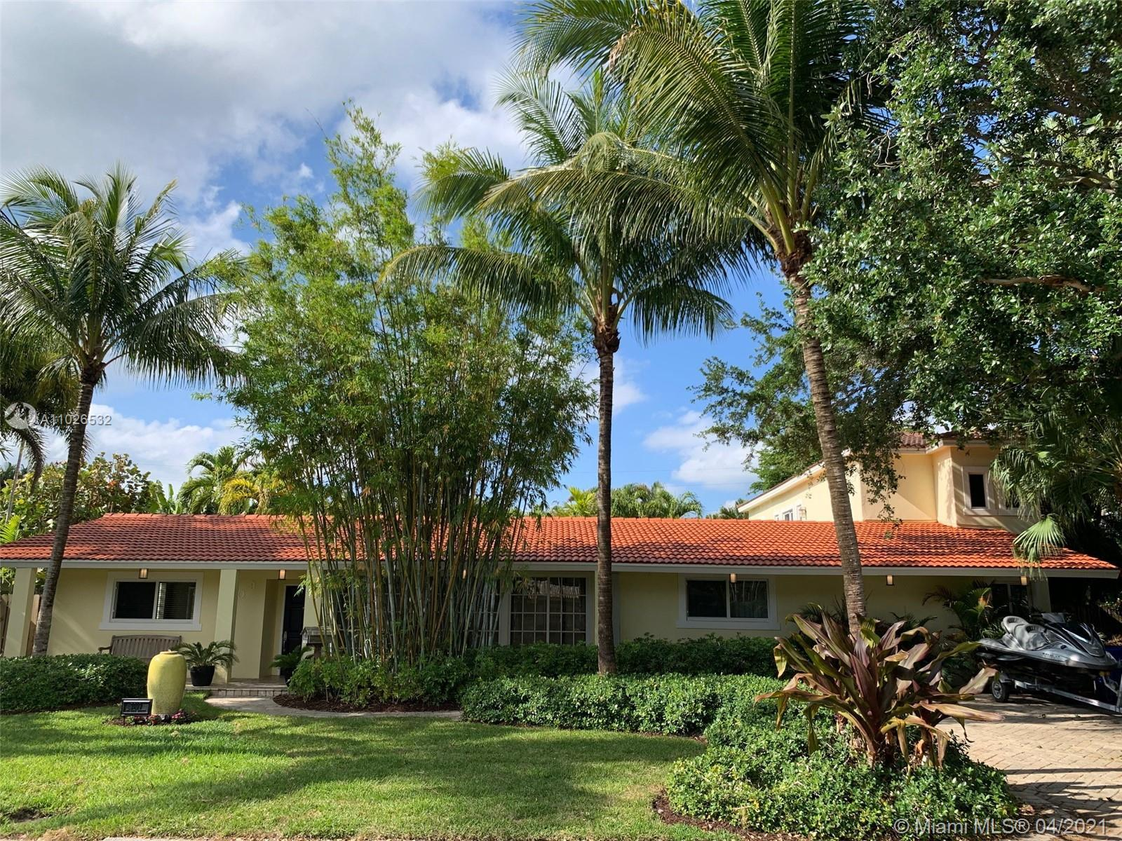 This beautiful and spacious 4br/3.5bath pool home in the highly desirable neighborhood of Coral Ridg