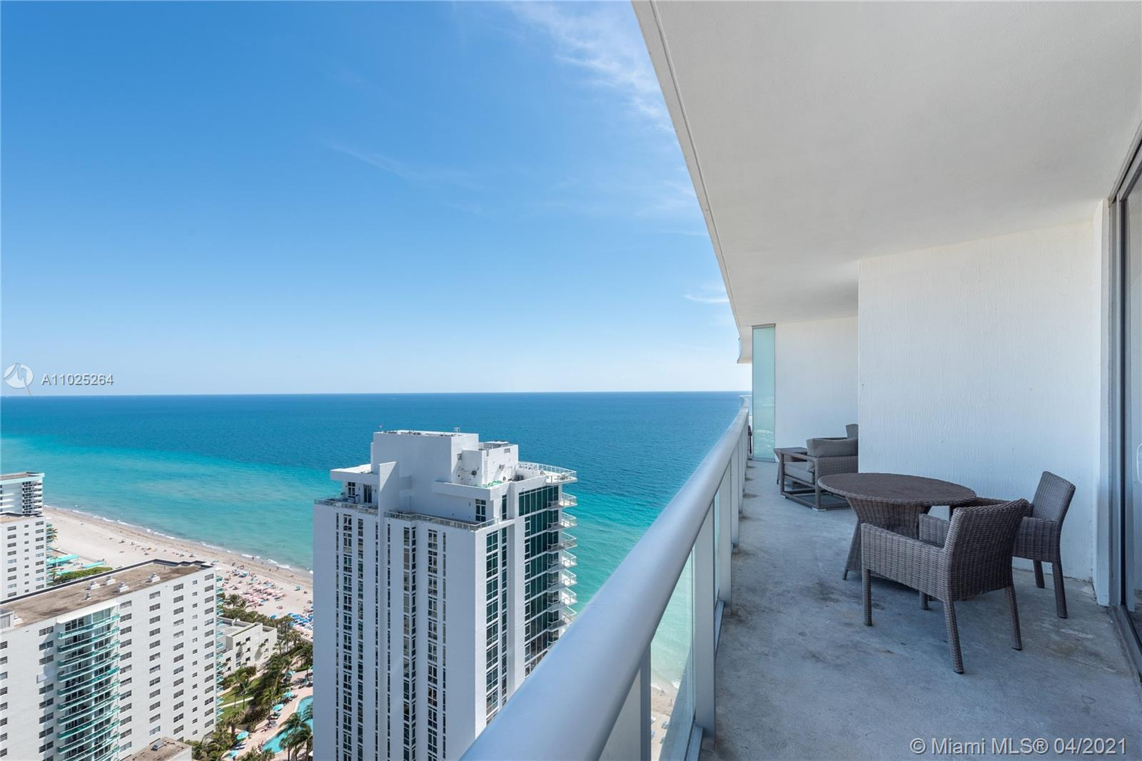 2 bedroom, 2 baths, fully furnished unit. Great view to the north with some ocean view. HYDE RESORT