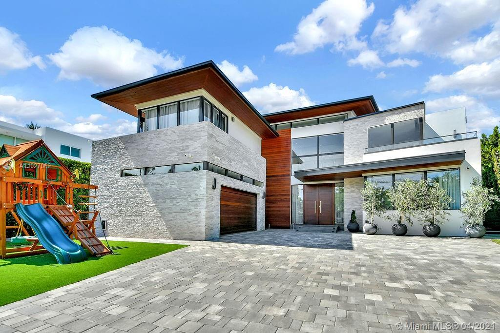 Introducing 65 Camden Ct,.New Construction Modern Home in the exclusive guard gated Bal Harbour Vill
