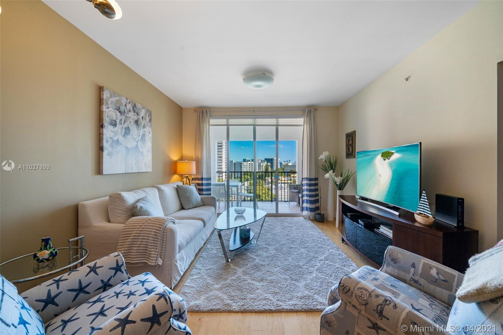 BEAUTIFUL FULLY REMODELED AND TASTEFULLY BEACH INSPIRED  2 BEDROOM 2 BATHROOM APARTMENT RIGHT ON THE