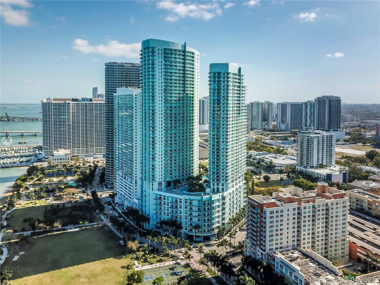 Enjoy breathtaking, unobstructed bay and Miami Beach views from this 41st floor 1 bed / 1 bath at Qu