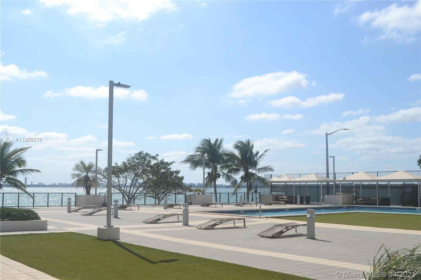 Look no further than this 1 bedroom/2 bathroom unit at Charter Club. Enjoy scenic views of Biscayne