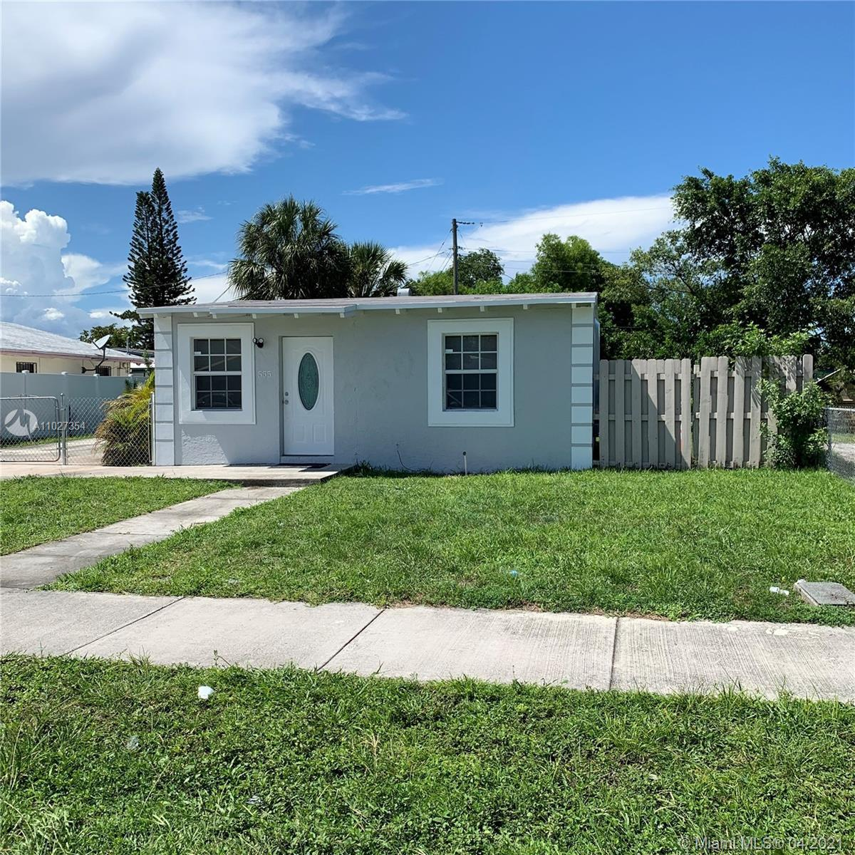 INVESTORS OPORTUNITY!!! Lovely property fully renovated and well maintained by the tenant. Great loc