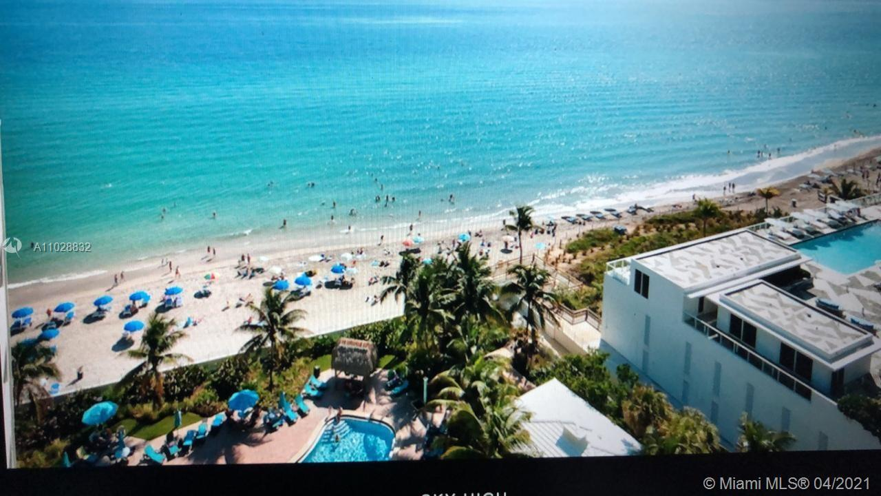 Large, bright and spacious 2 bedroom unit located at the desirable Tides of Hollywood Beach. SouthEa