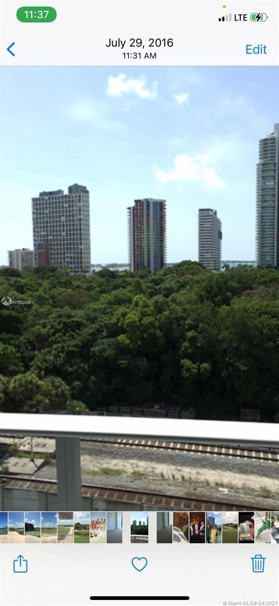 Beautiful condominium in the Luxurious Le Parc at Brickell. Amenities abound in this newer building.