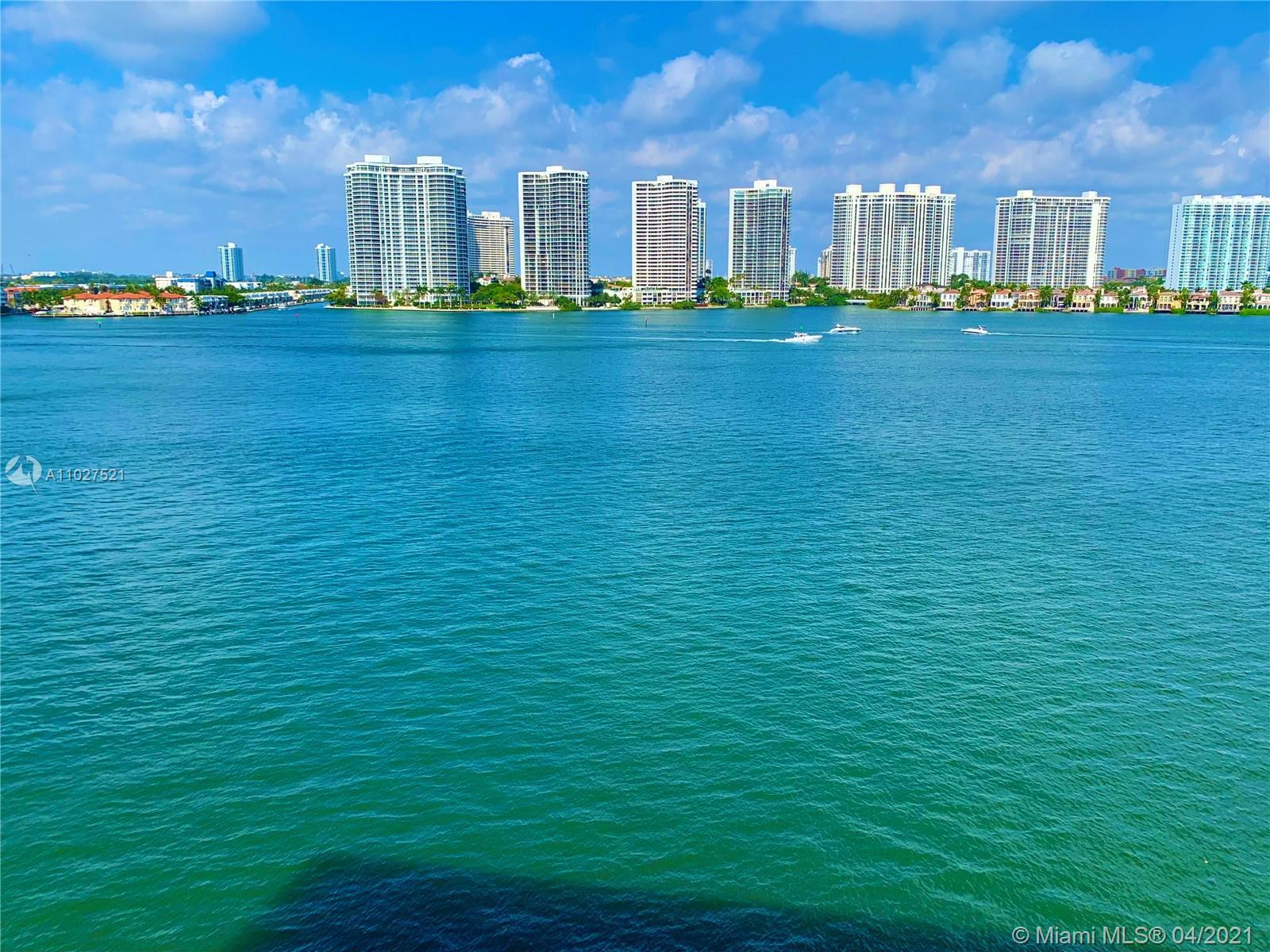Spectacular 2bed/2bath condo with amazing direct intercostal views. Relax and Enjoy a million dollar