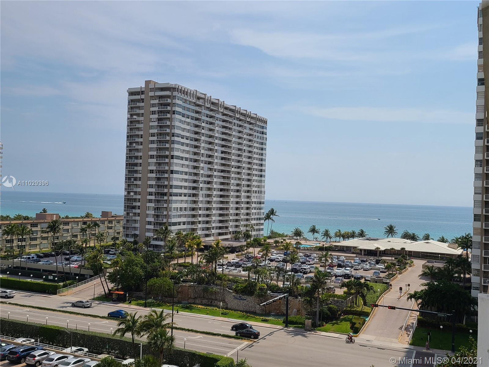 INTERCOASTAL AND OCEAN VIEWS, From this 8th floor, 1 Bedroom, 1.5 Bath facing North with Magnificent