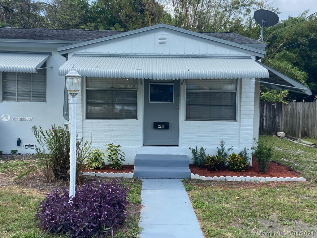 Totally updated and remodeled beautiful house at a great neighborhood! Brand new AC Unit (Goodman 10