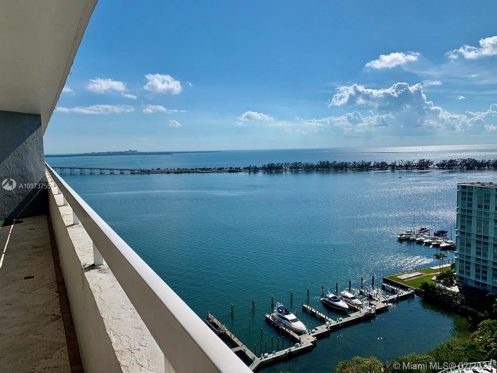 "Tastefully remodeled 3/2.5 ""Smart-Home"" in luxury waterfront, Arquitectonica building with full amen"