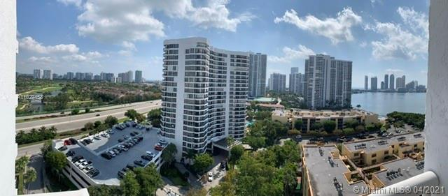 Amazing Corner unit. This unit comes with a spectacular view from the balconies overlooking the golf