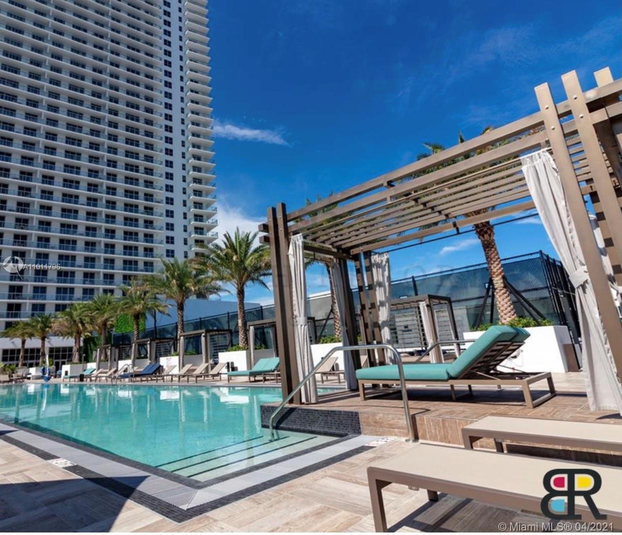 INVESTORS DREAM !!1Bed/ 1.5 Bath on the 40th floor of this brand new luxury high rise . Short term ,