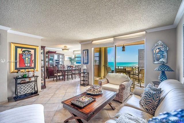FULL 2/2 CORNER UNIT WITH WIDE OCEAN VIEWS TO THE SOUTHEAST. EAT-IN KITCHEN. SUBSTANTIALLY REMODELED