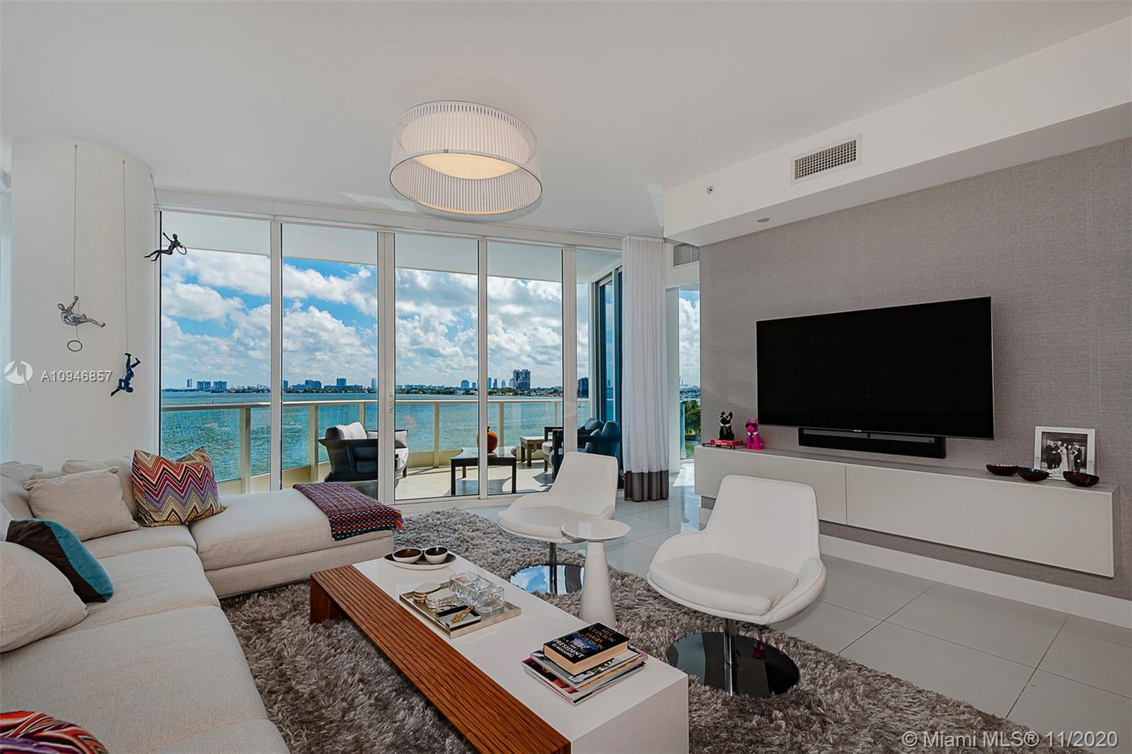 Welcome to luxury living in Edgewater's exclusive and well-regarded Paramount Bay. This exquisite, u