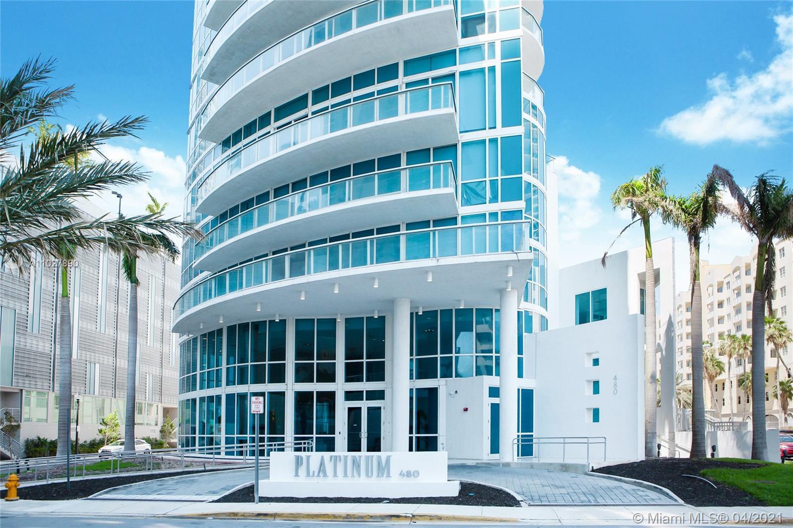 Enjoy an amazing 2BED + DEN / 2BATH corner unit with water views at the Platinum Condominium. Floor